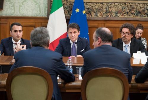 Leggi e Nuove Tasse per l'Auto in Italia: al governo piace troppo elettrica? (4)