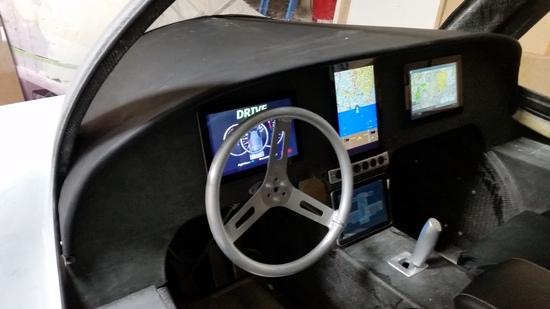 Gli interni dell'auto volante