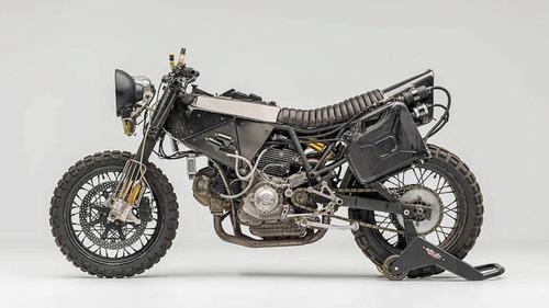 Ducati 900SS: una special pensata per il fango da El Solitario  (6)