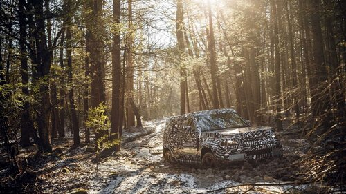 Nuovo Land Rover Defender, le prime immagini ufficiali (5)