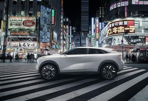 NAIAS 2019: Infiniti QX Inspiration, verso il SUV elettrico (2)