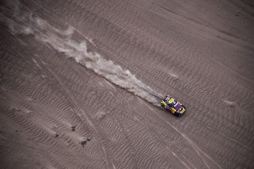 Dakar Perù 2019 Loeb-Peugeot. Non il giorno ideale per affrontare il Rally nel caos (2)