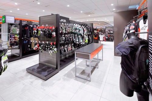 Wheelup Smart Stores, franchising di abbigliamento, accessori e ricambi moto (6)