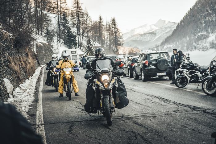 Le moto arrivano a Pontechianale (2018)