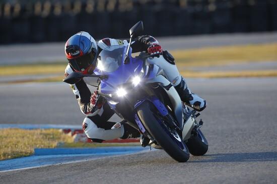 In azione in pista con la Yamaha YZF-R125 2019