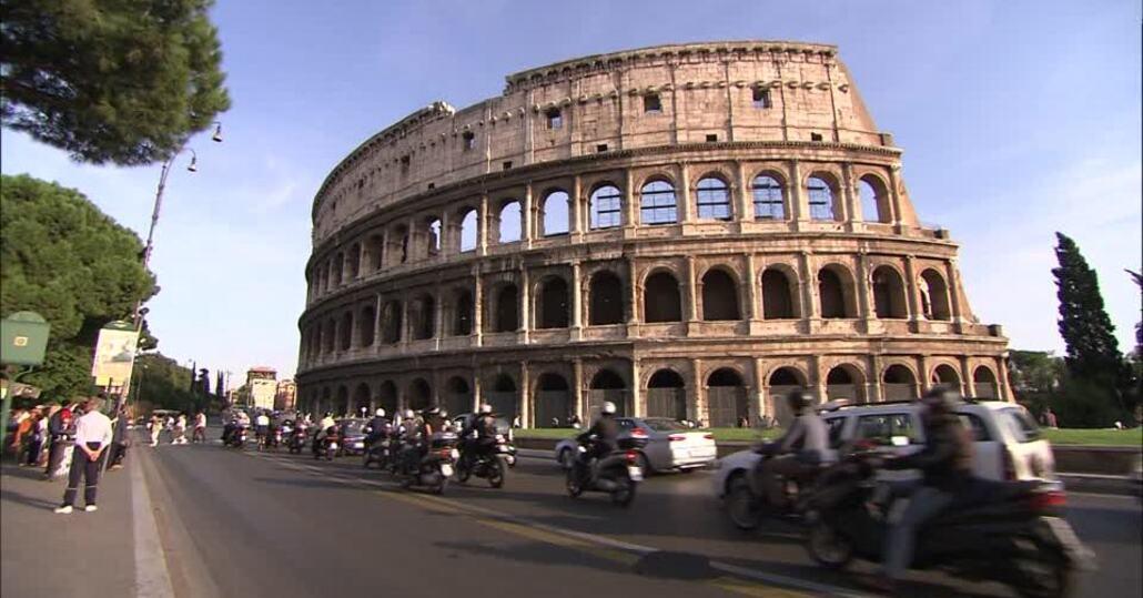 Roma: meno incidenti ma le buche fanno paura