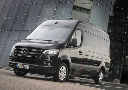 Mercedes Sprinter, con MBUX l'ufficio si sposta con voi [Video]