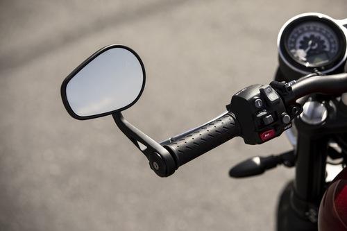 Lo specchietto con montaggio bar-end