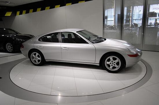 La Porsche 989 è oggi esposta al Museo della Casa di Zuffenhausen