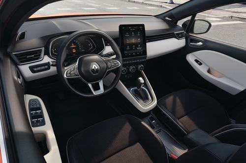 Nuova Renault Clio, svelati gli interni (6)