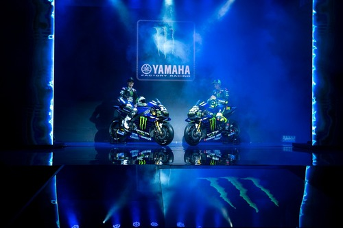 MotoGP. Yamaha svela la livrea 2019 di Rossi e Viñales (9)