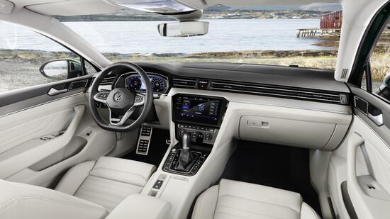 Tanta tecnologia a bordo della nuova Volkswagen Passat 2019