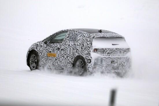 Test sulla neve per l'elettrica Volkswagen I.D. Neo