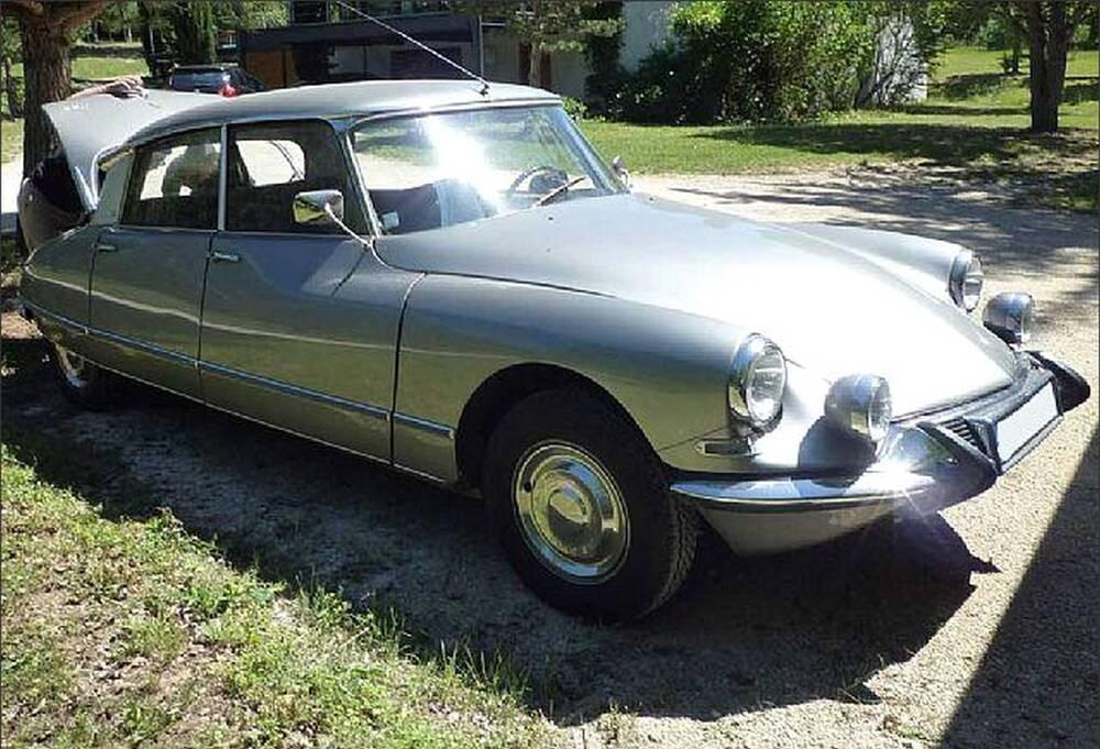 DS 21 Pallas d'epoca del 1966 a Piazzola sul Brenta (3)