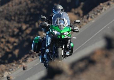 Kawasaki Versys 1000. Alternativa giapponese