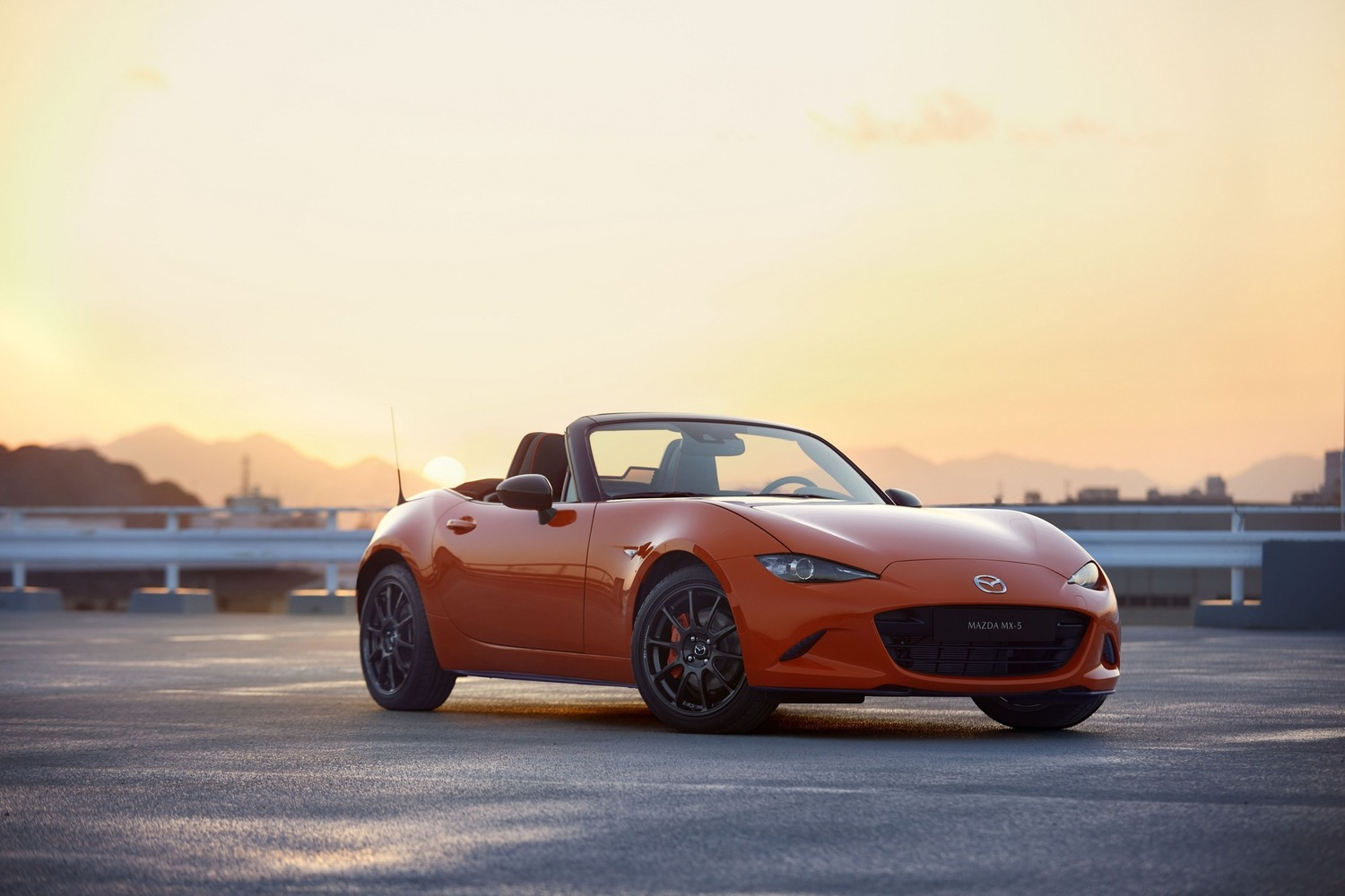 Mazda MX-5 30th Anniversary Edition, al via le vendite in Italia
