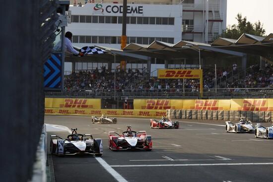 La volata finale della gara della Formula E 2019 a Città del Messico