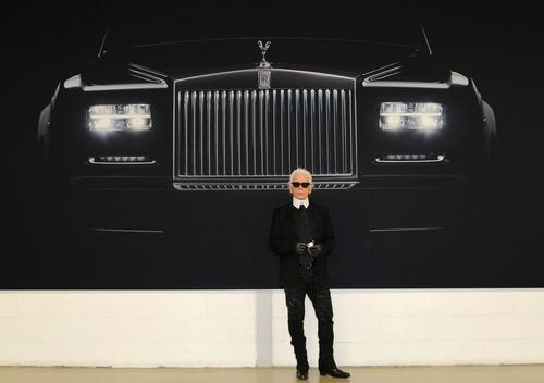 Karl Lagerfeld, le auto che ha immortalato