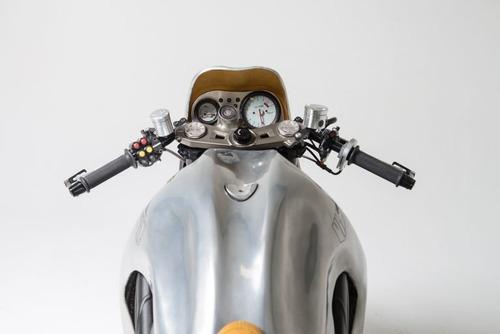 Triumph Speed Triple: una creazione bizzarra di Metalbike Garage (9)