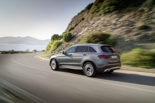 Mercedes GLC, il restyling al Salone di Ginevra 2019 (5)