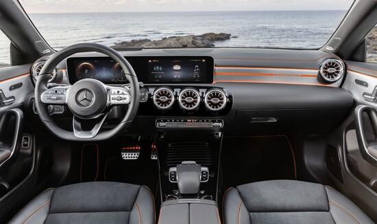 Gli interni della Mercedes CLA 2019