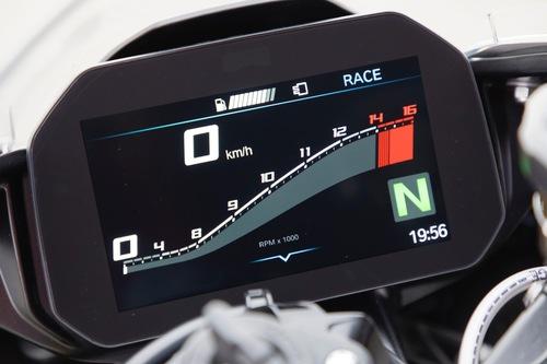 La Core 3 sul display della BMW S1000RR 2019