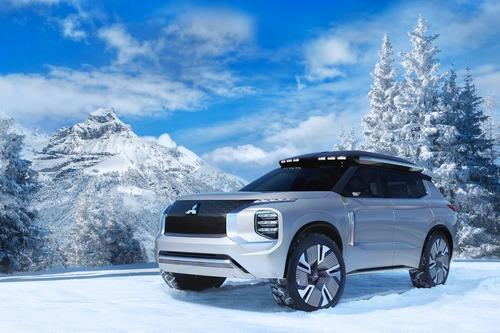 Mitsubishi Engelberg Tourer: concept al Salone di Ginevra 2019 (2)