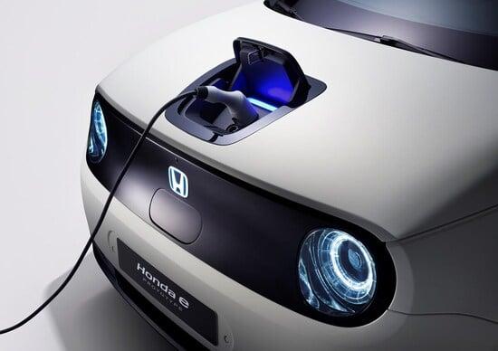 Honda: «Dal 2025 solo auto elettriche»