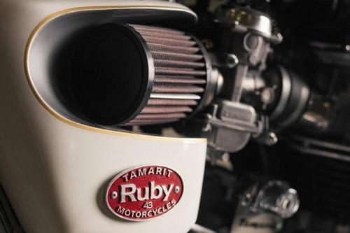 Triumph Bonneville #43 Ruby: una scrambler dai toni pacati (5)