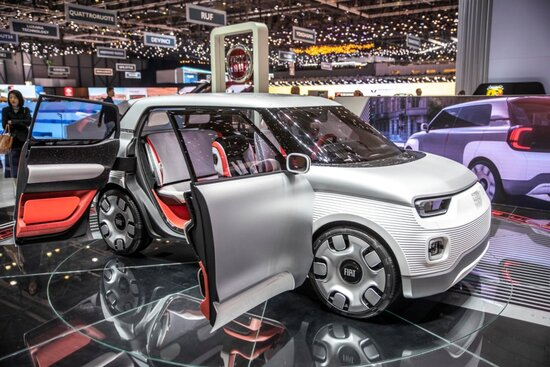 Fiat Centoventi, il concept tricolore per la mobilità popolare elettrica