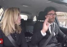 Toninelli sostiene l'auto elettrica, ma compra il diesel [Video]