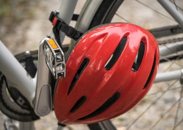 Bici elettriche: ci sarà obbligo di targa, casco ed assicurazione?