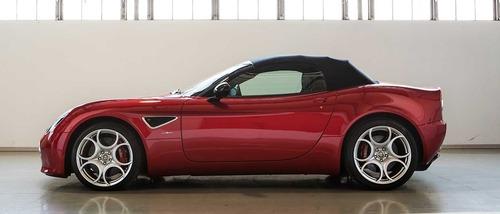 FCA vende due Alfa Romeo 8C Competizione e Spider (2)