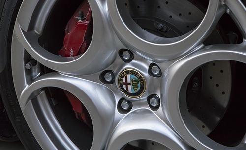 FCA vende due Alfa Romeo 8C Competizione e Spider (5)