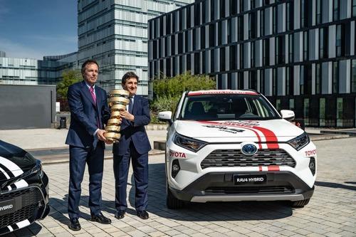 Giro d'Italia 2019: Toyota auto ufficiale (4)