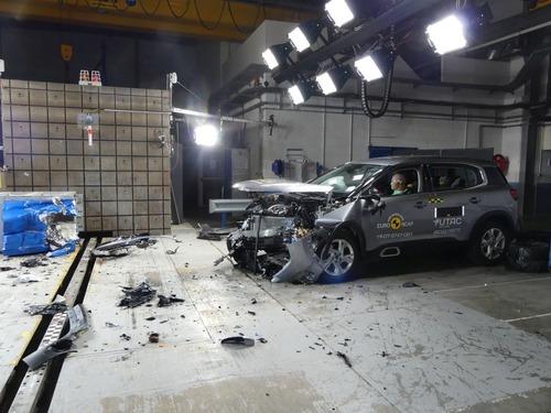 Euro NCAP: 5 stelle a Citroen C5 Aircross e nuova Range Rover Evoque (8)