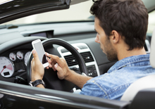 Codice Della Strada, sì ai 125 in autostrada e patente sospesa per la guida al cellulare