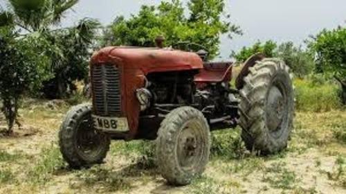 Macchine d'epoca, anche agricole: dopo 40 anni il trattore diventa storico (3)