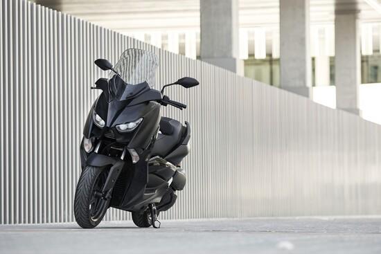 Il nuovo Yamaha XMAX Iron Max