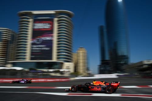 F1, GP Baku 2019: Ricciardo, tamponamento alla Di Maio (7)