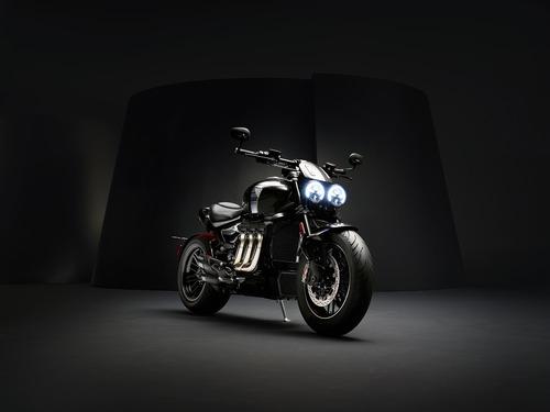 Triumph Rocket 3 TFC 2019: serie limitata e motore 2.500 cc (4)
