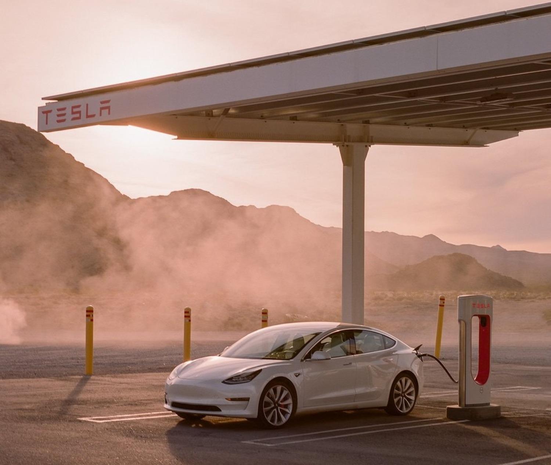 Cambiamenti mercato auto, Germania: Tesla supera Alfa Romeo, Maserati, Subaru e Lexus