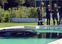 Forte dei Marmi, Cadillac finisce in piscina