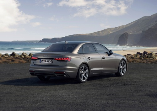 Audi A4 restyling, arriva l'ibrido (8)