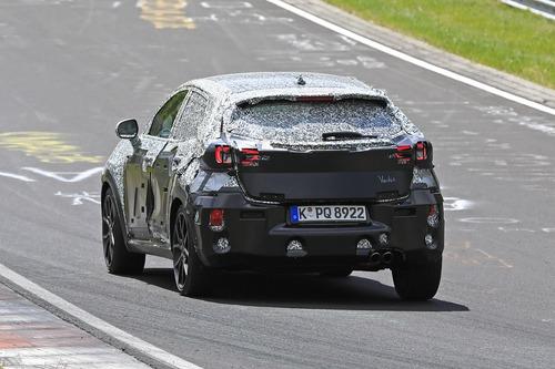Ford Puma ST, le foto spia al Nürburgring (3)