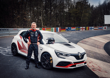 Megane R.S Trophy-R, la francese si riprende il record al Ring [Video]