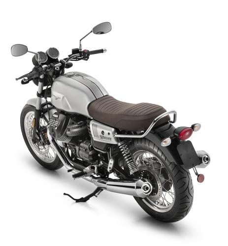 Moto Guzzi V7 III Stone Night Pack. A tutto LED (4)