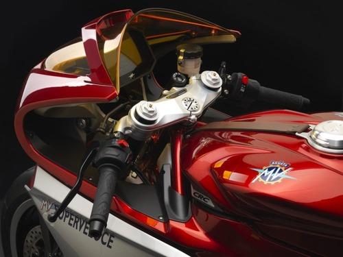 MV Agusta Superveloce 800. La prima Classica in vendita nel 2020 (8)
