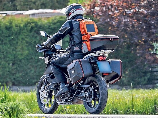 La KTM 390 Adventure durante i collaudi