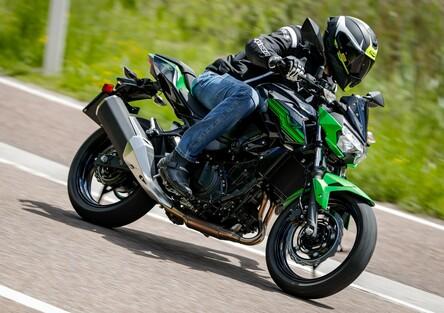 Kawasaki Z400 2019, TEST: la piccola Z affila le unghie